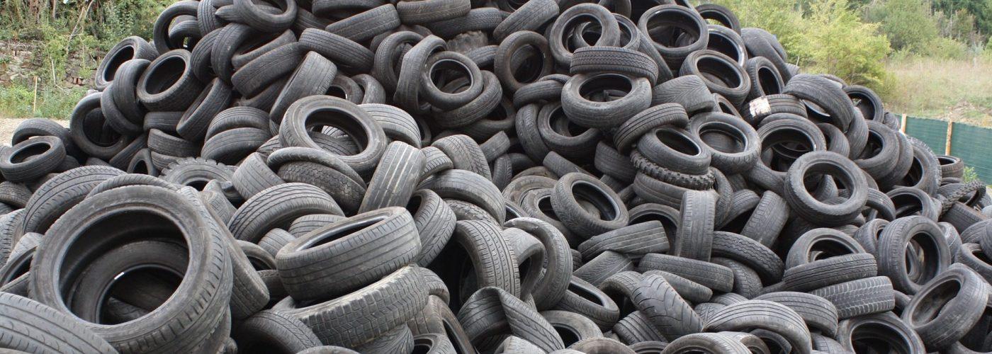 Jouer dehors avec des pneus? Bien sûr!
