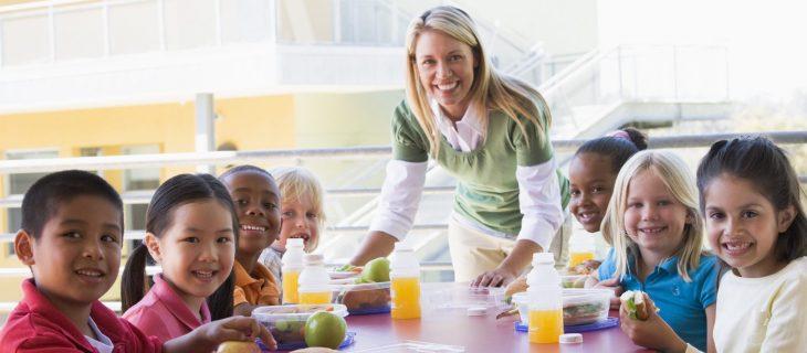 Distinction à faire entre les services de garde en milieu scolaire et la surveillance des élèves dîneurs